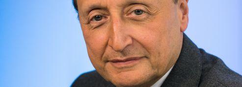 Interview par BFM Business d' Alain Némarq, Président et Directeur Général de la Maison Mauboussin, à l'occasion de la sortie de son nouveau livre et essai : «Le Bonheur sinon rien».